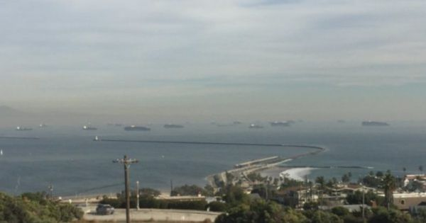 Tắc nghẽn tại cảng Cali