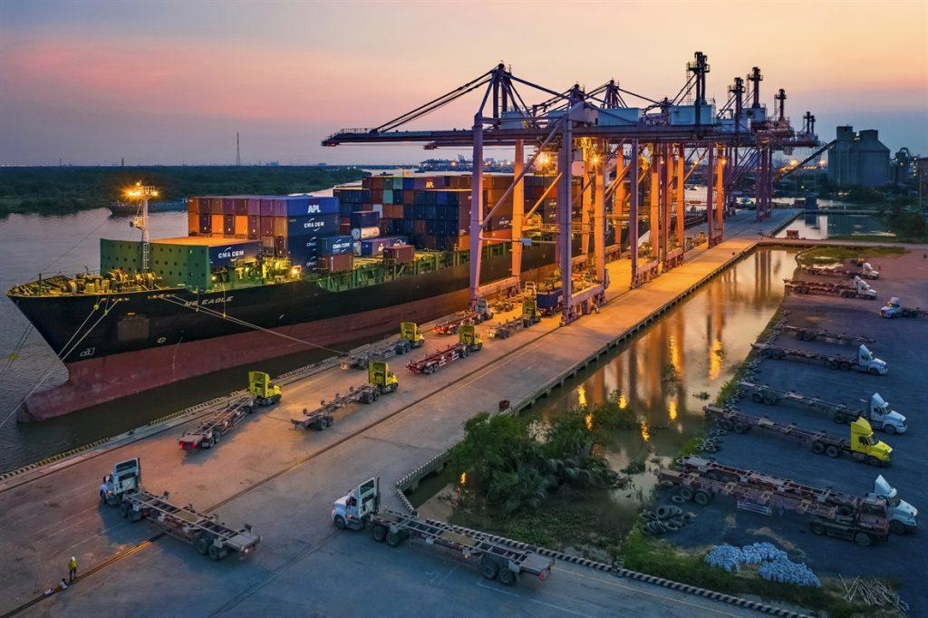 phát triển logistics TP.HCM